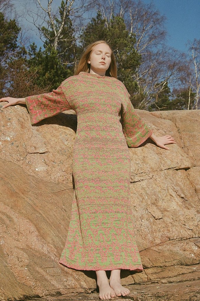 tipukonvehti-knit-dress